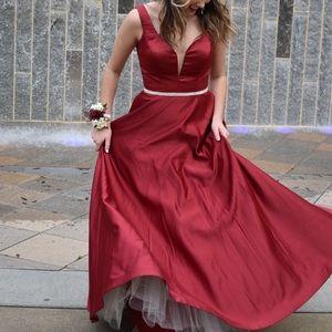 PromGirl Long Satin Prom Dress (Size Med)